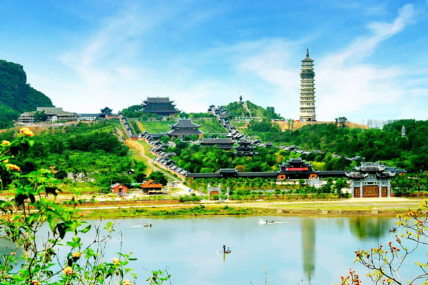 Bai Dinh Pagoda and Trang An Tour