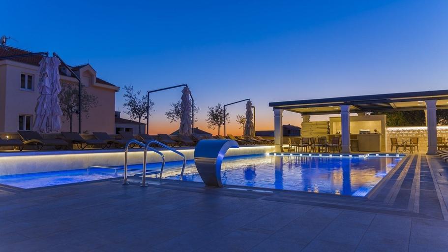 Luxury Aparthotel, Makarska