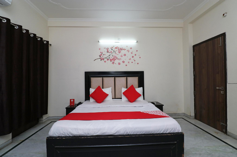 OYO 37939 Hotel Green Mango, Gautam Buddha Nagar