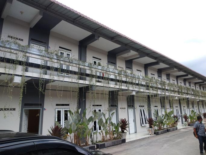 Juma Eluk Hostelry, Karo