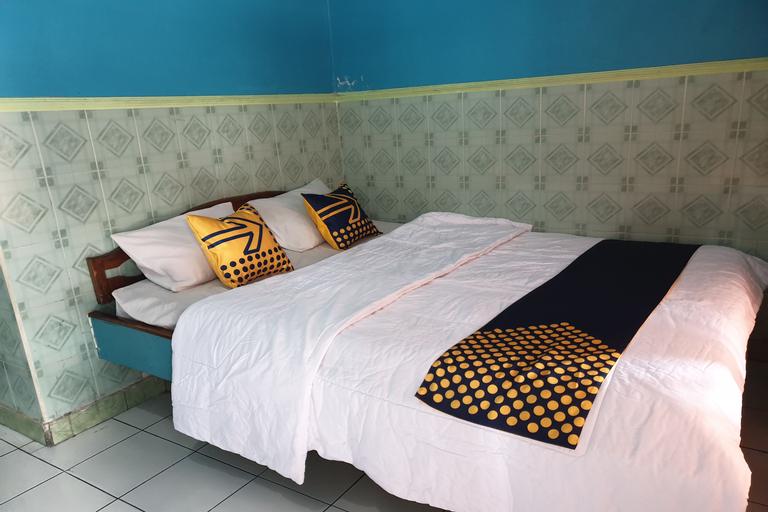 SPOT ON 90100 Hotel Kediri Bandungan, Semarang