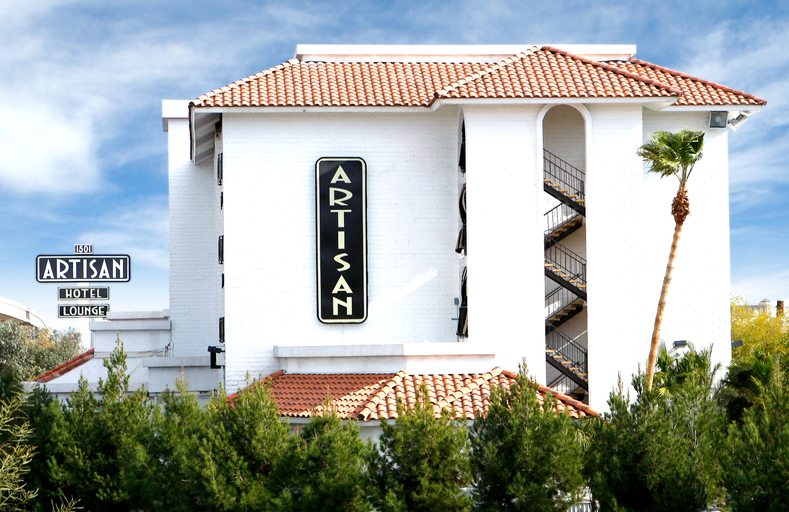 Artisan Hotel, Clark