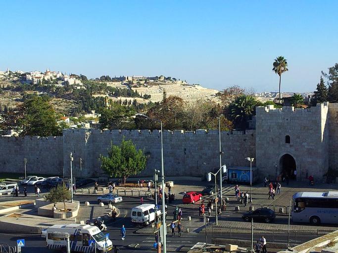 Rivoli, Hebron