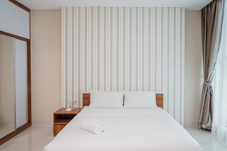 Chic and Strategic Studio Brooklyn Alam Sutera Apartment By Travelio, Tangerang Selatan