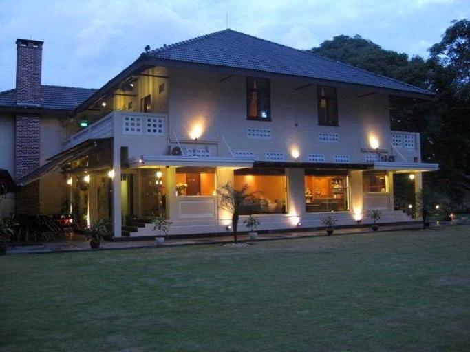 Rider's Lodge, Bukit Timah