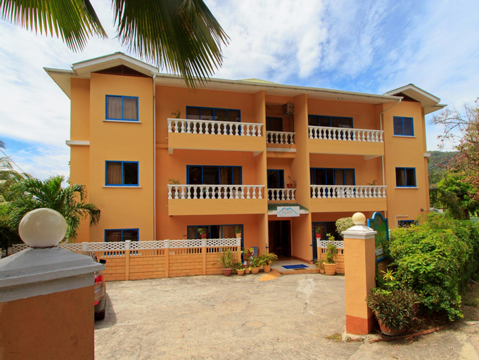 Vicky's Self Catering Holiday Apartments,
