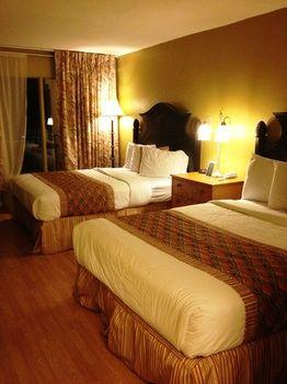 Monroe's On The Lake Hotel & Banquet Hall, Seminole