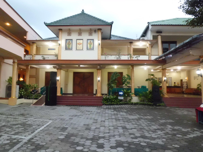 Hotel Pramesthi Solo, Solo