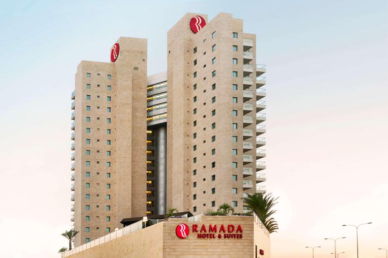 Ramada Hotel & Suites by Wyndham Netanya,