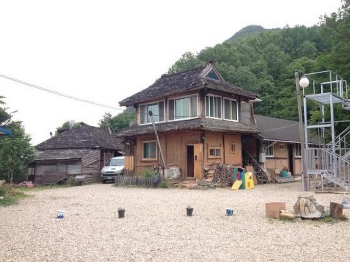 Jigubyul Yeohaeng Pension, Yeongdong