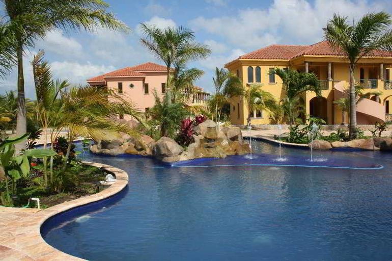 Parrot Tree Beach Resort & Marina, Roatán