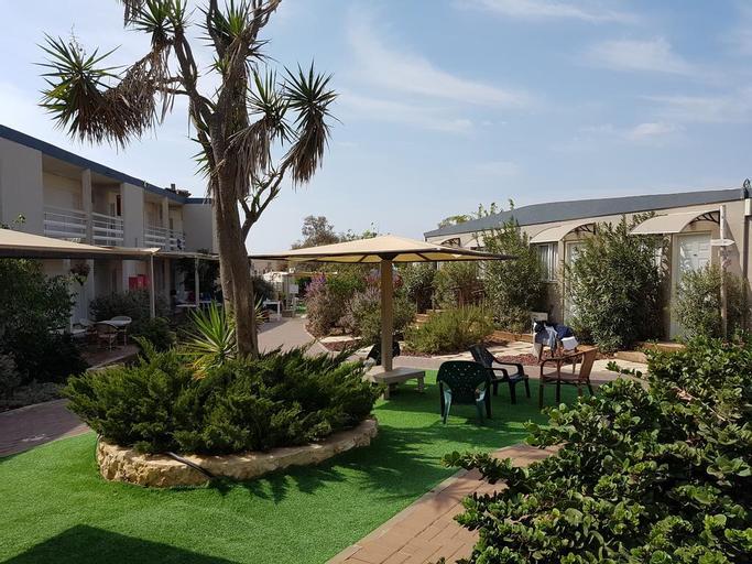 Q Village Hotel - Poleg Beach,