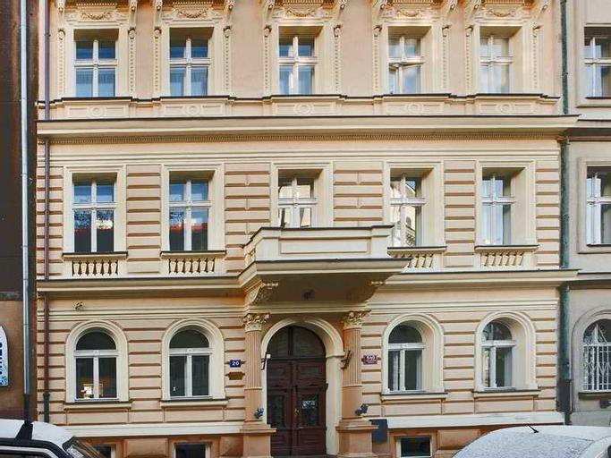 Hotel Trevi, Praha 2