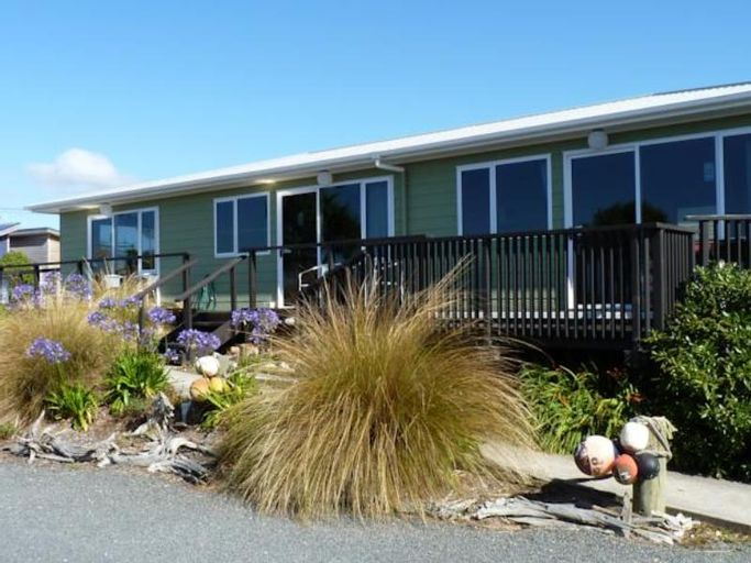 Nugget View Kaka Point Motels, Clutha