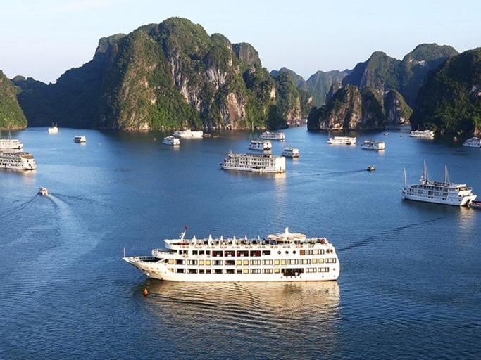 Starlight Cruise, Hạ Long