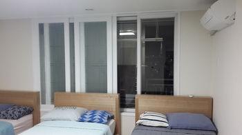 Spacious Apartment in Central Seoul, Jongro