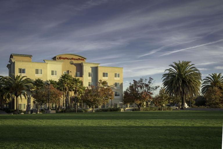 Hampton Inn and Suites Suisun City Waterfront, Solano