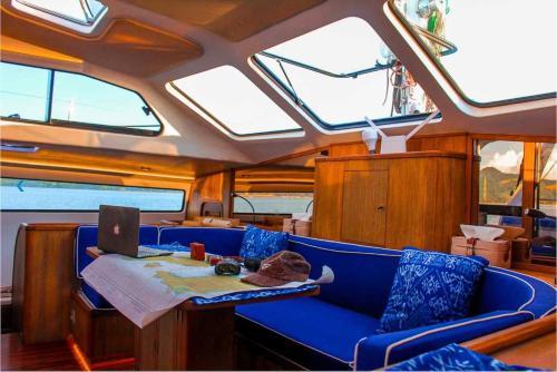 Blue Nutmeg Catamaran, Denpasar