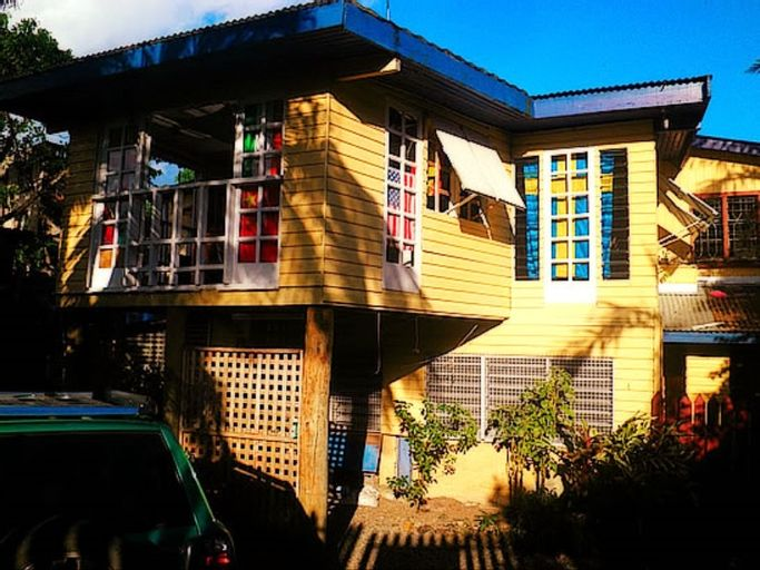Colonial Lodge, Rewa
