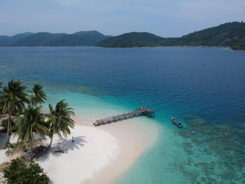 Tenggiling Island, Natuna