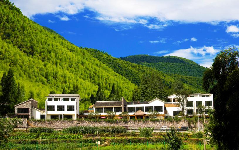 Yinhuawu resort, Huzhou