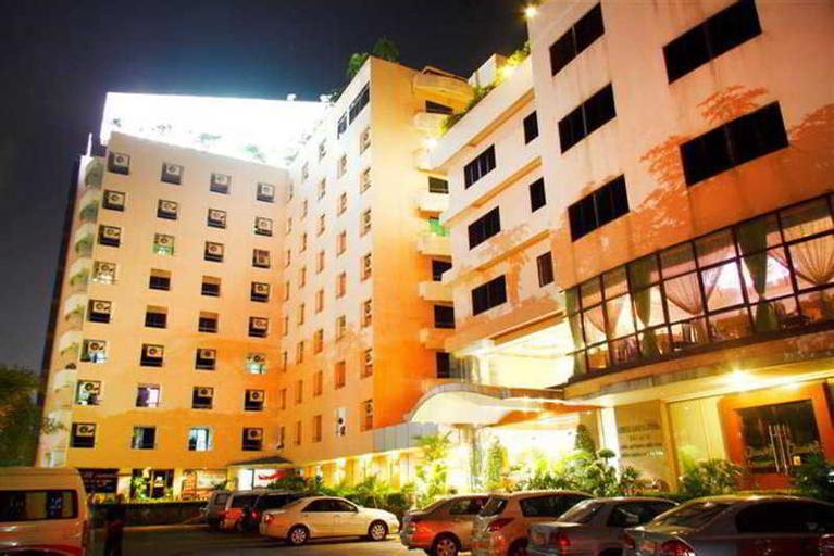 Tara Garden Hotel, Pom Pram Sattru