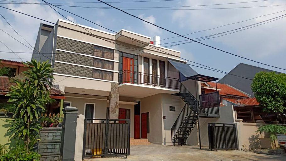 OYO Life 2351 Kost Ciper, Jakarta Selatan