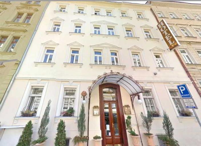 Hotel Donatello, Praha 5