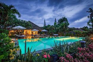 FiveBDR Lovina Beachfront Luxury Private Villa+BBQ, Buleleng