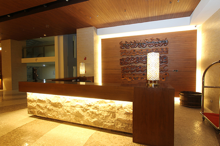Crown Regency Resort and Convention Center, Malay