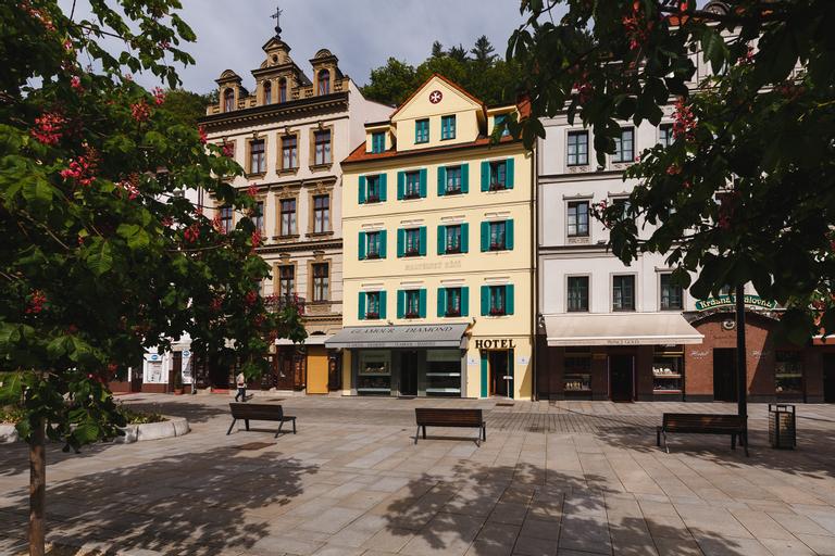 Maltesse Cross, Karlovy Vary