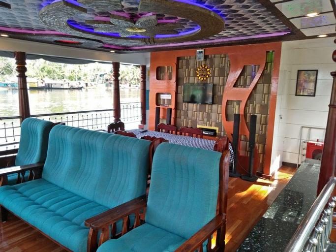 Vaishnav Houseboat, Alappuzha