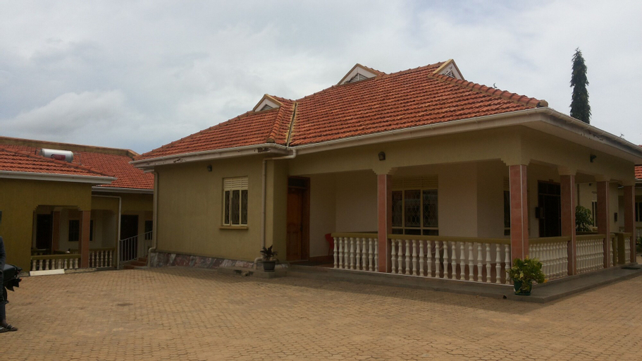 Nasera Suites, West Moyo