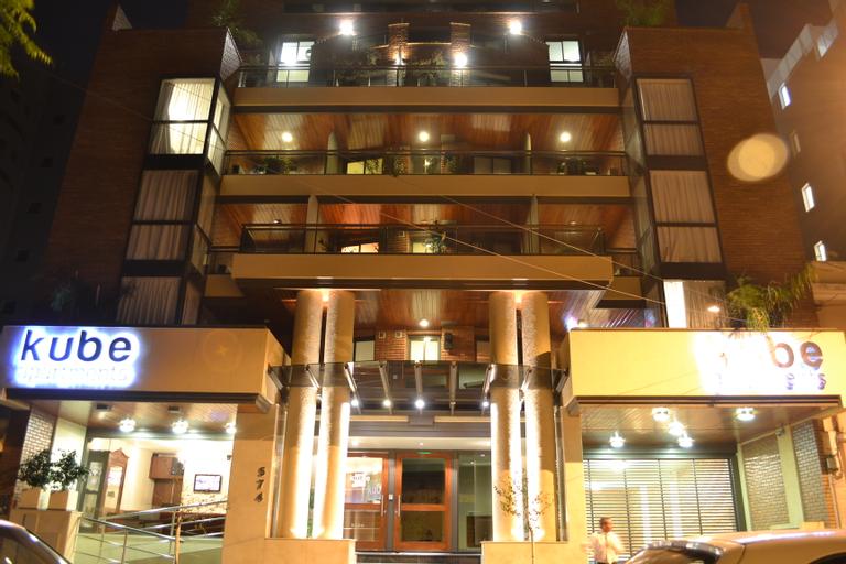 Kube Apartments, Capital