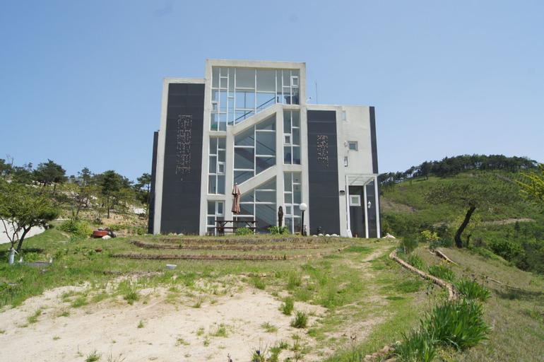 Pohang Nature Sound Pension, Yeongdeok