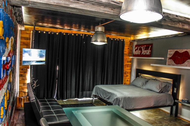 Ocean Café Suites,