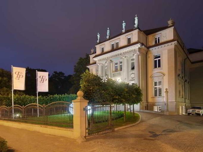 Platinum Palace, Środa Śląska