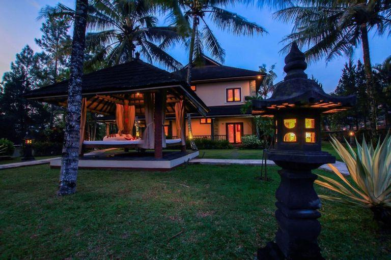 Villa Grand Artos, Magelang