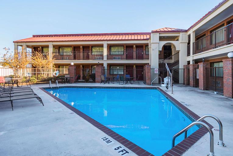 Red Roof Inn and Suites Scottsboro, Jackson
