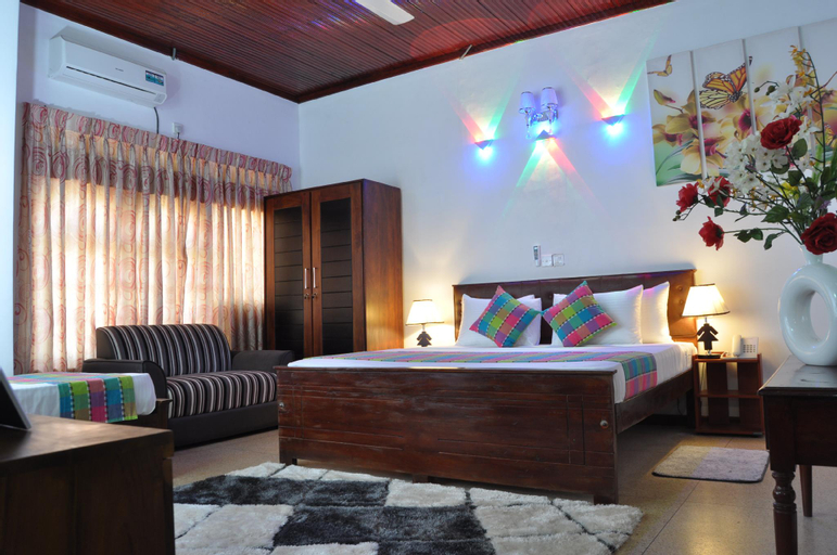 Guest Ryan Hotel, Katana