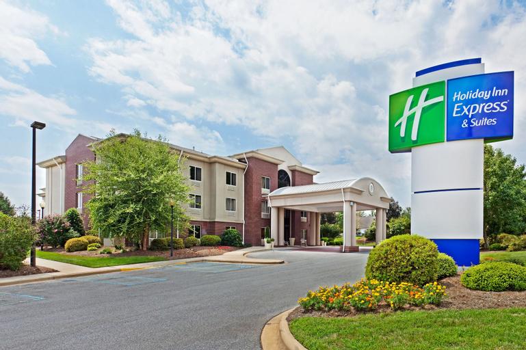 Holiday Inn Express Hotel & Suites Brevard, Transylvania