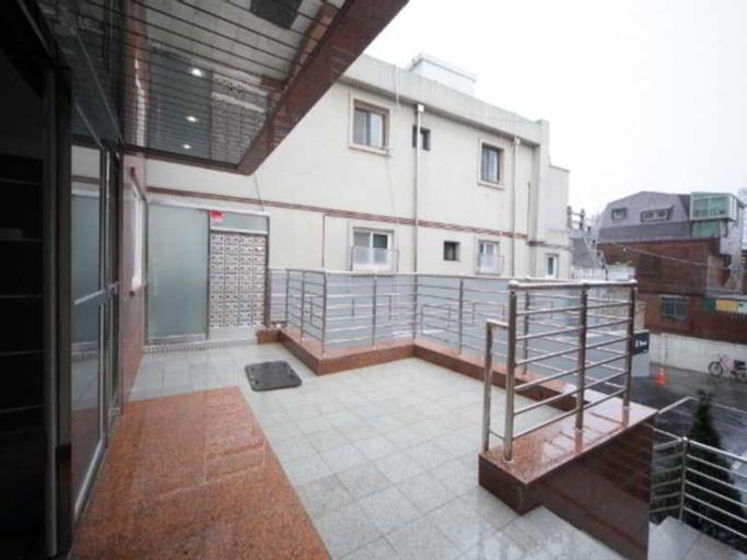 JJ House, Jongro
