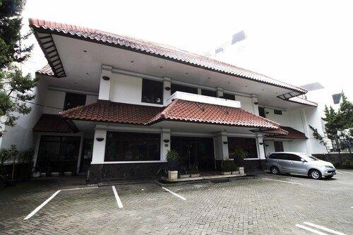 RedDoorz @ Dago, Bandung