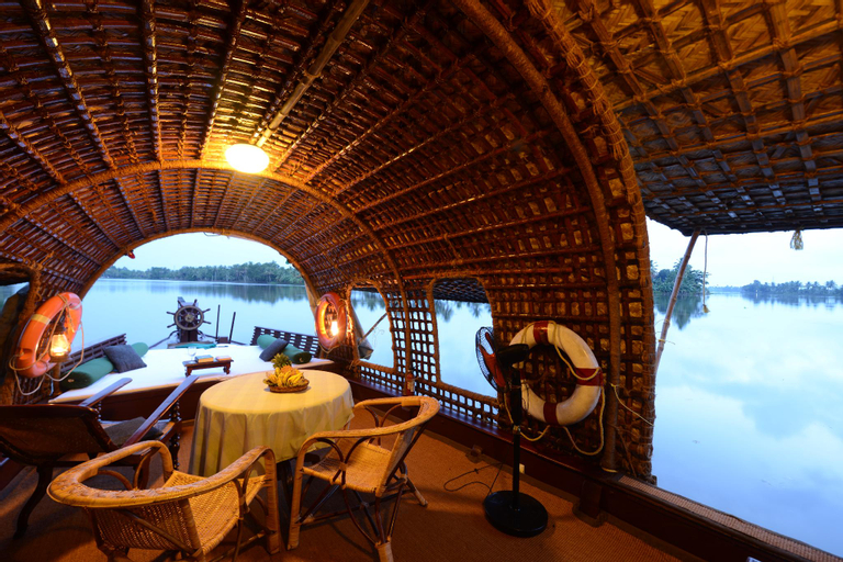 Spice Coast Cruises - CGH Earth, Alappuzha