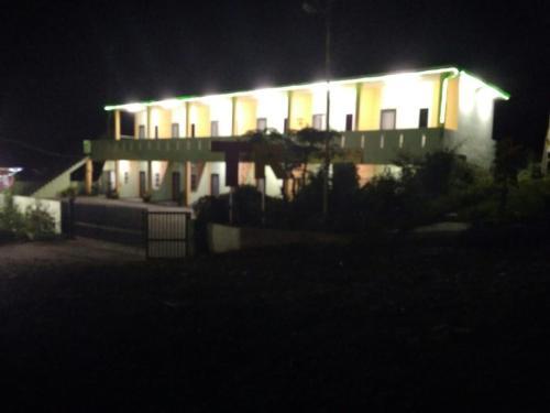 TR Inn, Karo
