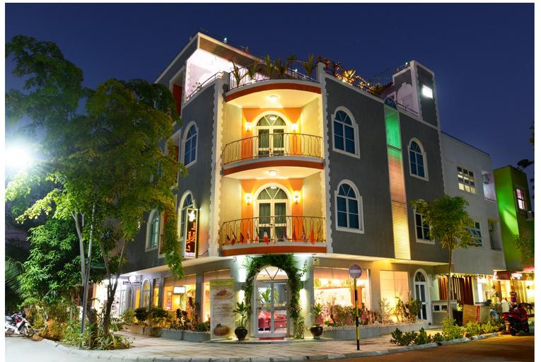 Le Vieux Nice Inn, Malé