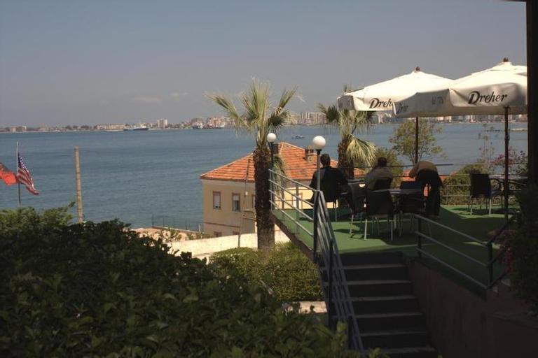 Ambasador, Vlorës