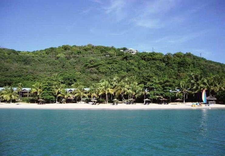 Tamarind Beach Hotel & Yacht Club,
