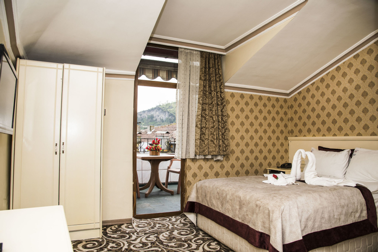 Nazar Hotel, Merkez