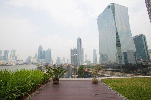 RedDoorz Plus Near WTC Sudirman 2, South Jakarta